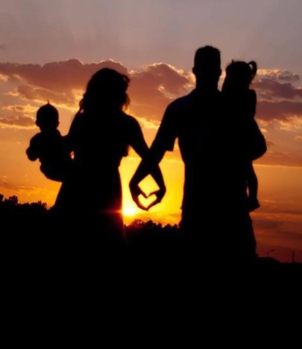 подтвержденных картинка на аватарку счастливая семья самых